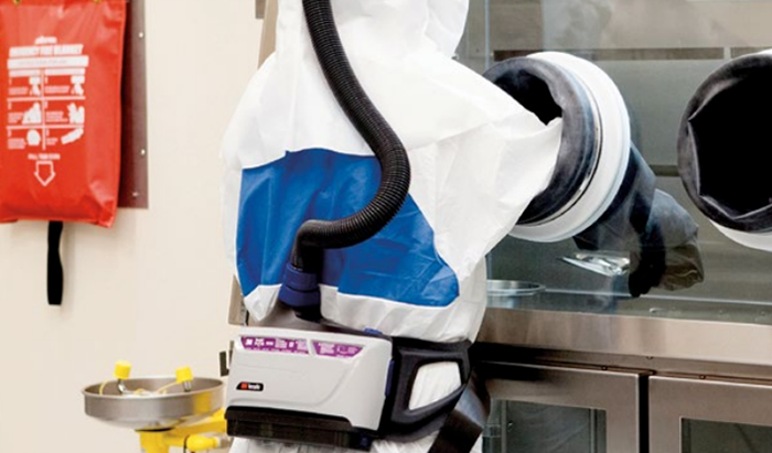 worker in white with versaflo gear